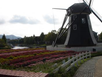ハウステンボス風車